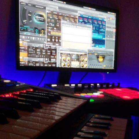 maschine, komplete kontrol ks25, m-audio keystation, signal, rev, capriccio, albion one, edna